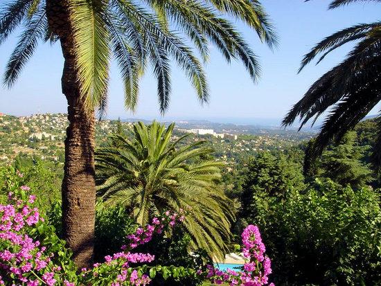 Location maison vacances pour 4 grasse c te d 39 azur for Oasis piscine macon