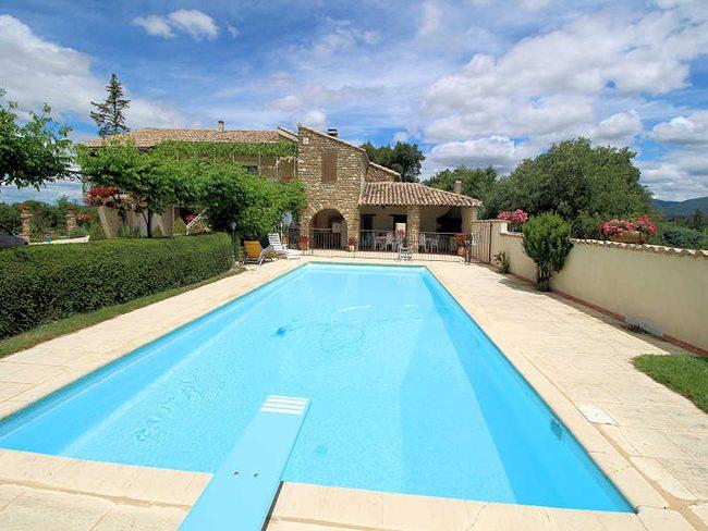 location maison vacances vaison la romaine 84 piscine. Black Bedroom Furniture Sets. Home Design Ideas