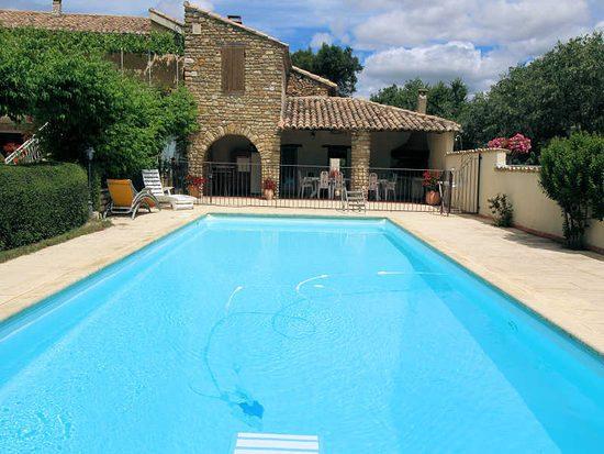 Location maison avec piscine priv e animaux admis vaison for Autrefois maison privee