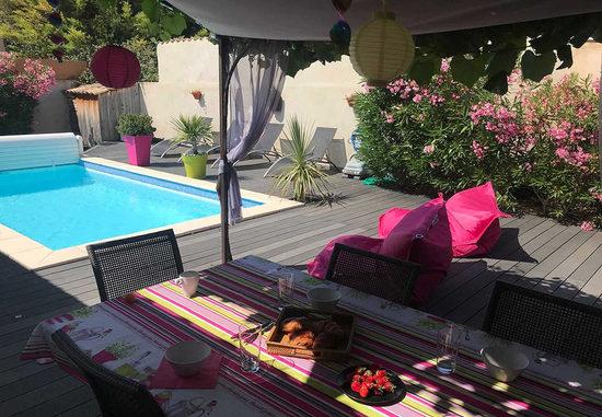Location de maison de vacances en provence derni res for Ardeche location maison avec piscine