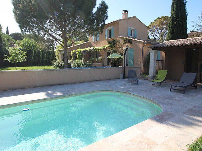 Location Maison Vaucluse : location villa carpentras vaucluse piscine priv e et ~ Nature-et-papiers.com Idées de Décoration