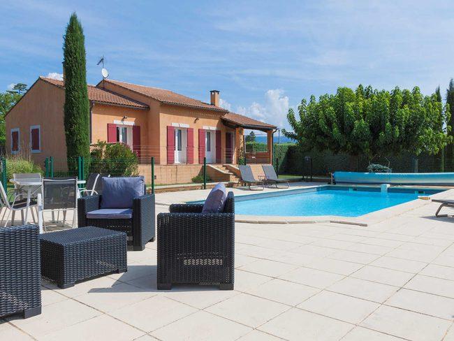 maison de vacances pr s d 39 apt luberon piscine pool. Black Bedroom Furniture Sets. Home Design Ideas