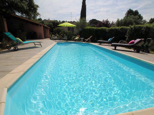 Location de maison beaucaire pour 8 personnes for Beaucaire piscine