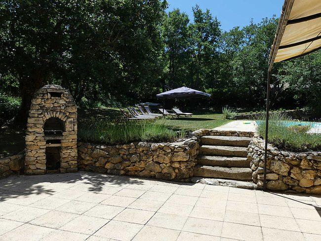Location villa apt luberon avec piscine chauff e et for Location villa piscine luberon