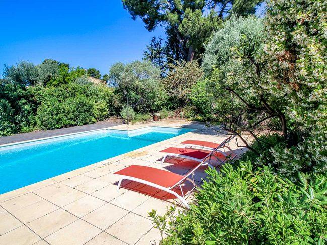 location villa d 39 architecte sanary sur mer var piscine priv e. Black Bedroom Furniture Sets. Home Design Ideas