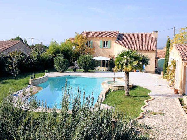 Location de maison pertuis pour 8 personnes avec piscine for Location villa piscine luberon