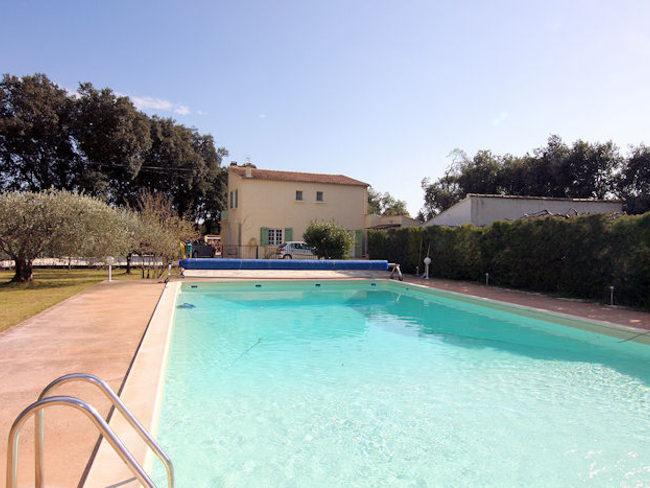 maison de vacances carpentras vaucluse piscine priv e. Black Bedroom Furniture Sets. Home Design Ideas