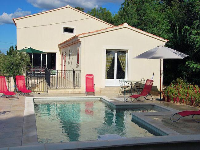 Location maison vacances eyragues pr s d 39 avignon - Location vacances avignon piscine ...
