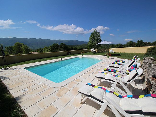 Location maison vacances saint martin de castillon for Location villa piscine luberon