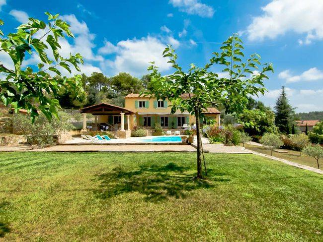 Location De Maison à SEILLANS Pour Personnes - Location villa dans le var avec piscine