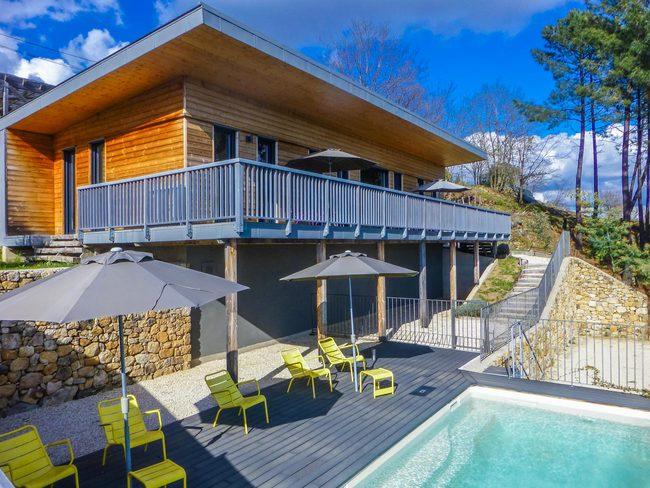 Location maison en bois, à Vernon, Ardèche, piscine privée clôturée